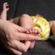 eerste reflexen bij een pasgeboren baby